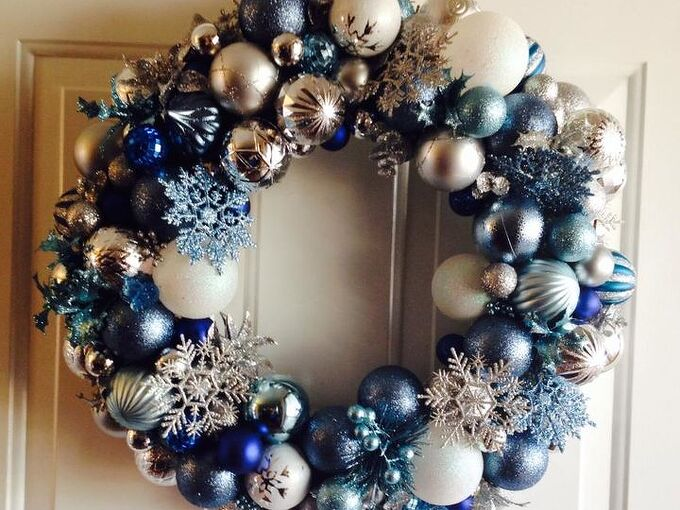how to make a frozen inspired ornament wreath, christmas decorations, crafts, seasonal holiday decor, wreaths