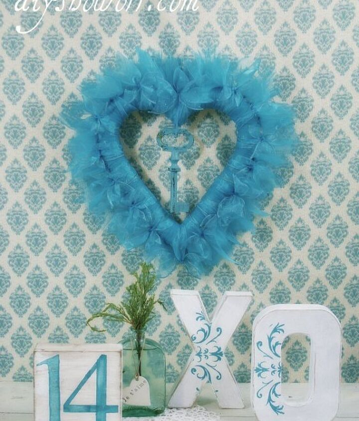 DIY heart ribbon wreath, painted paper mache X & O and a painted wood block...fun easy DIY Valentine decorative accents.