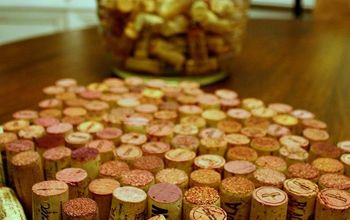 Have you got the itch to make something with your wine corks for Valentines Day?