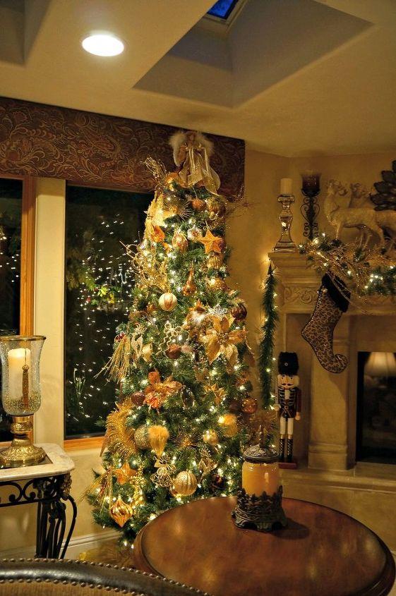 elegant christmas decor, christmas decorations, fireplaces mantels, seasonal holiday decor, Glamorous golden tree