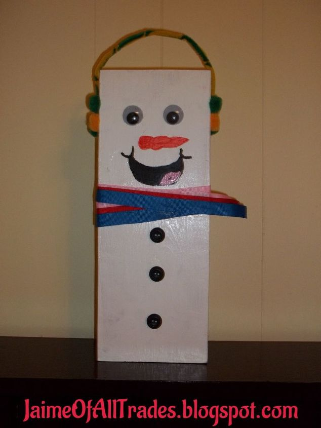 Diy wooden snowmen made from wood scraps hometalk for Christmas crafts using wood