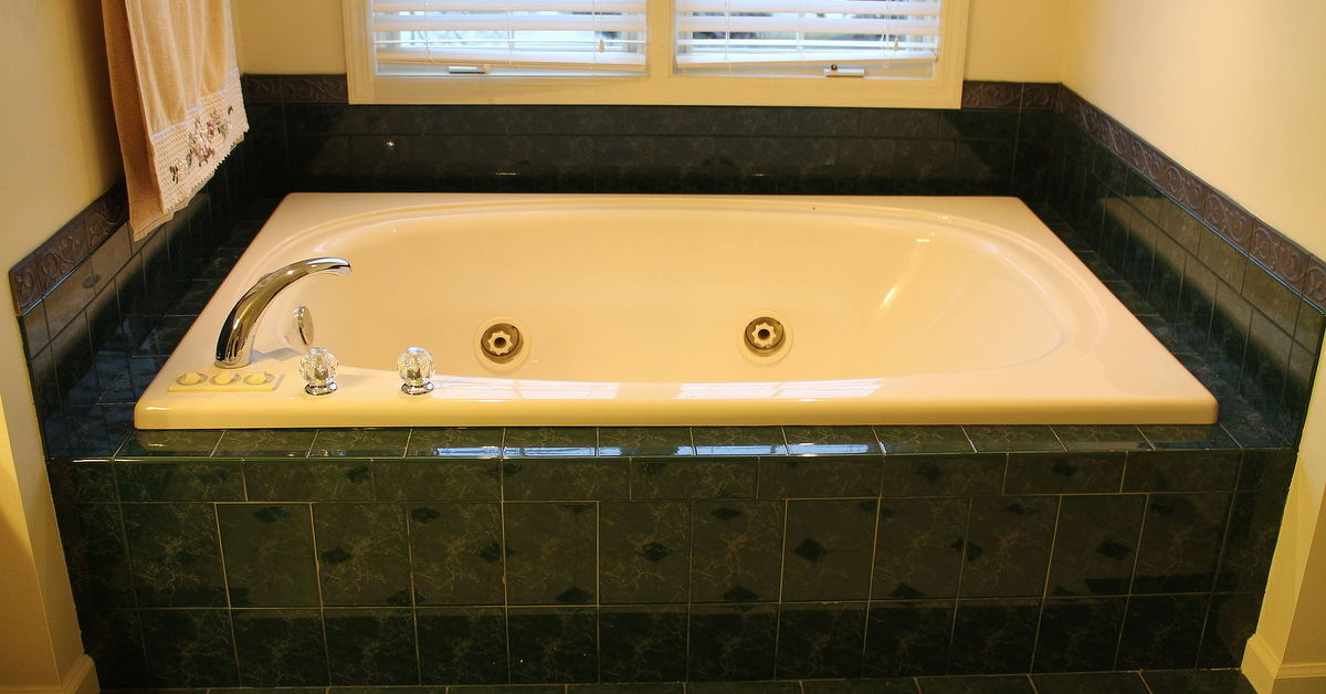 Where is the motor located for this Jacuzzi whirlpool tub? | Hometalk