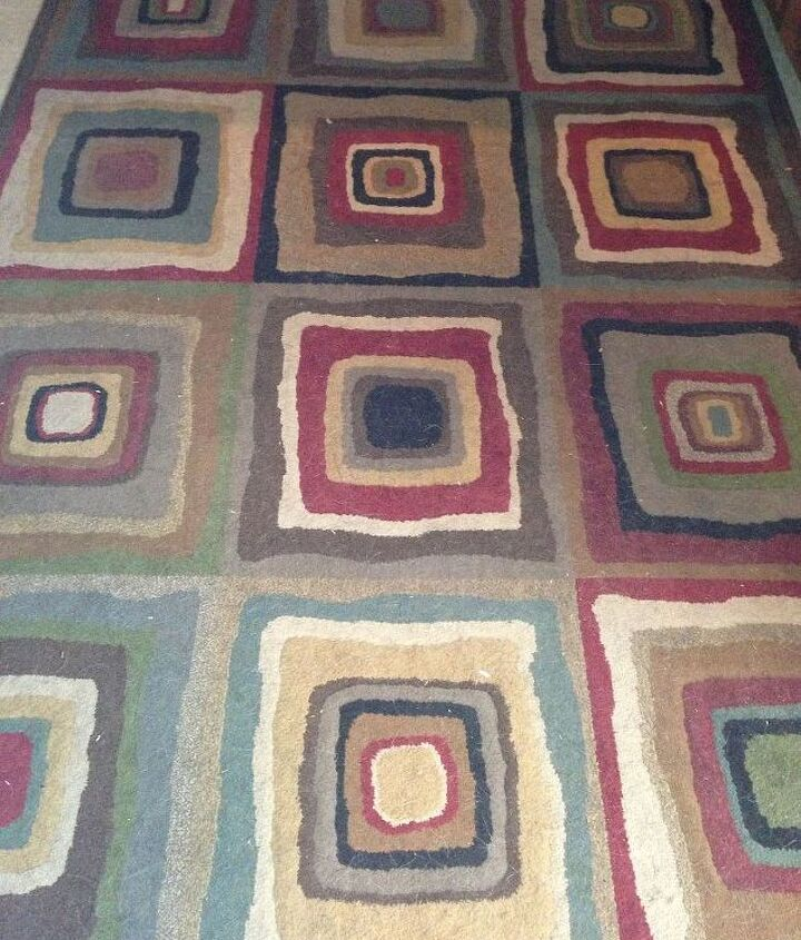 Love this rug - both colors and design.