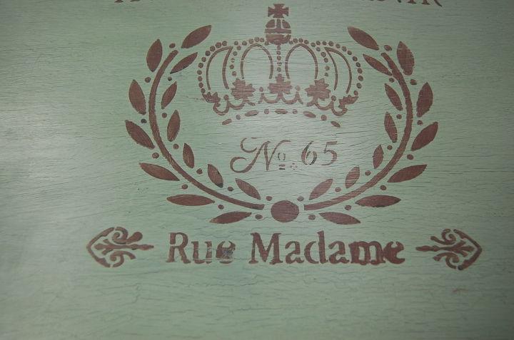 Close up of Le Craque