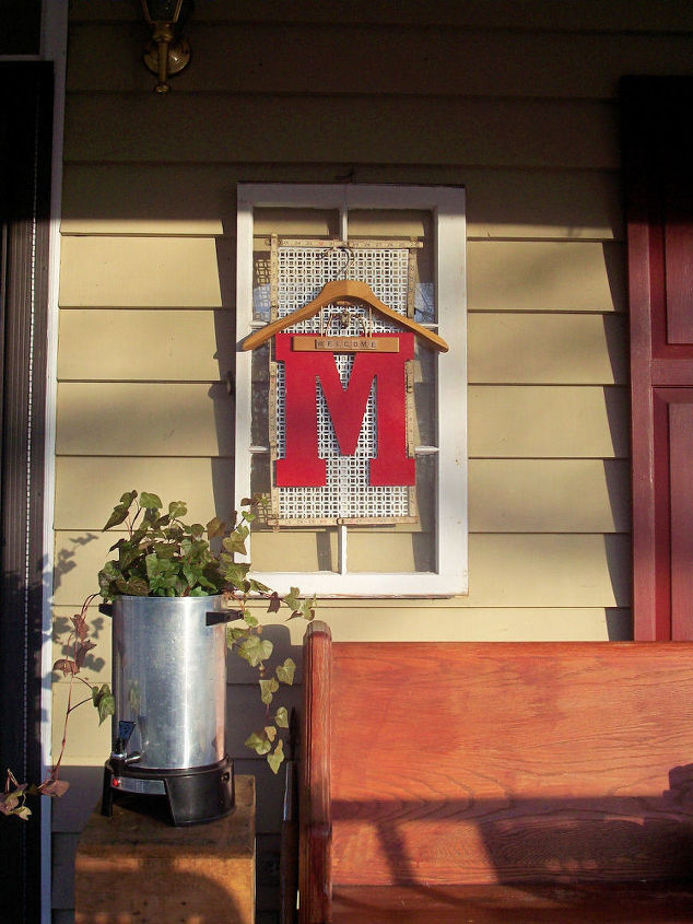 welcome window wreath, home decor, repurposing upcycling, wreaths