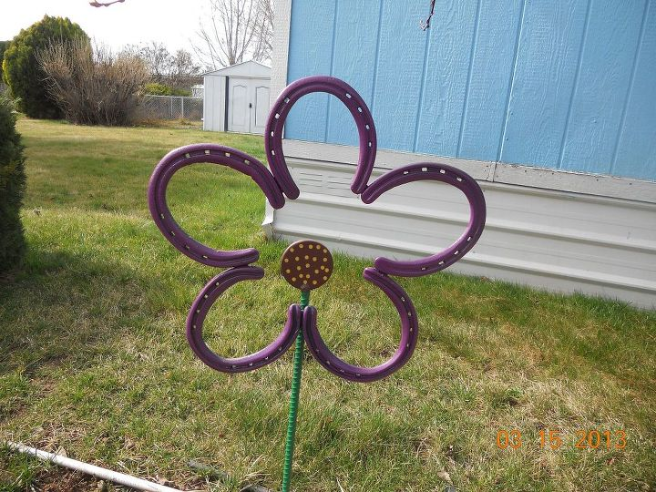 A wonderful use for old horseshoes!