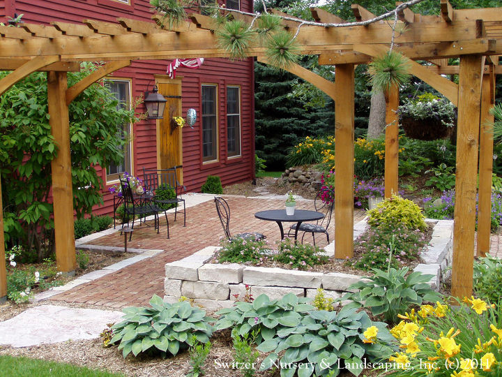 No Porch Problem Create The Feeling With A Patio In Front Yard