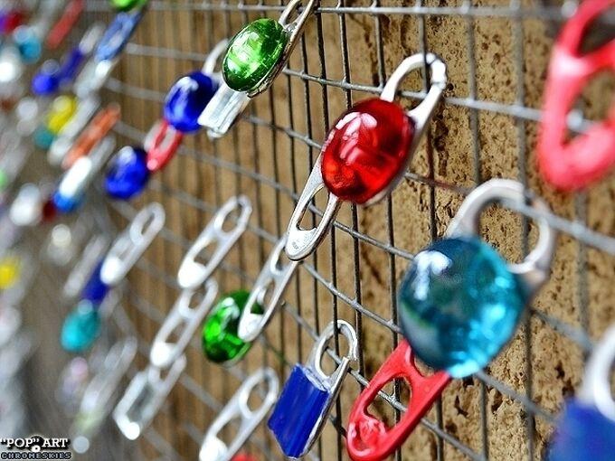 soda tab baubles screen garden decor, gardening, repurposing upcycling, Soda Tab Baubles Screen Garden Decor