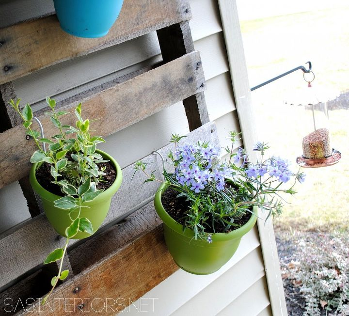 Diy Vertical Pallet Garden With Colorful Pots Flowers Gardening Repurposing Upcycling