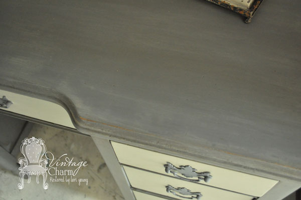 painted desk makeover, painted furniture, Desk top close up