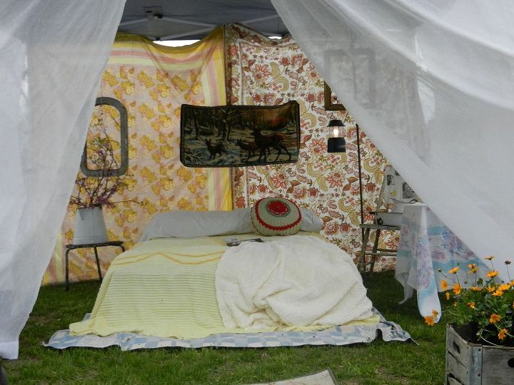 glamping, outdoor living, Sis s vision was filmy white my more colorful the marriage of our two visions created this lovely space