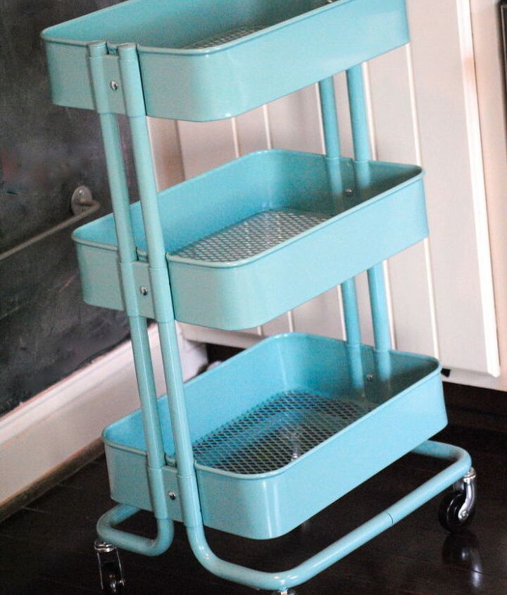The cart comes in two colors.  I chose the Tiffany Box blue.  ;-)