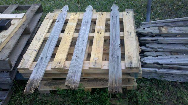 Pallet fence re purposing pallets hometalk for Diy pallet fence gate
