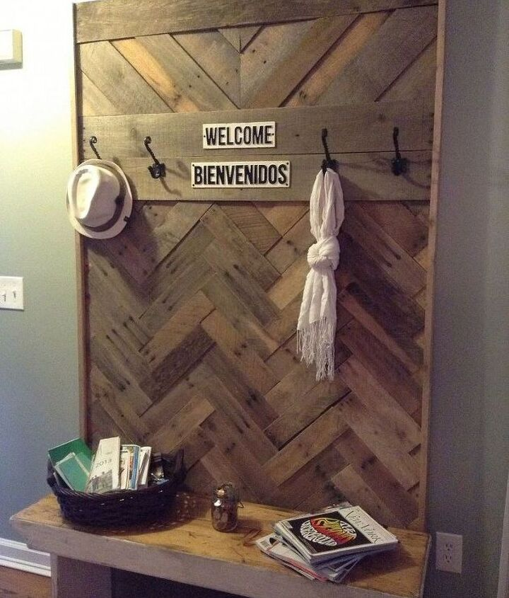diy pallet hallway tree, diy, pallet, repurposing upcycling, woodworking projects, Add on a few hooks and my cast iron welcome signs and it s all set