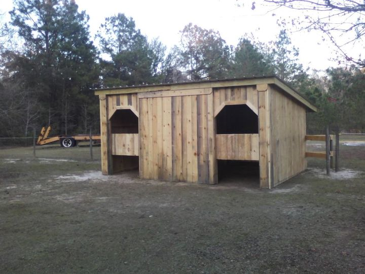 repurposed pallets, diy, home improvement, repurposing upcycling, woodworking projects, horse barn in south Georgia