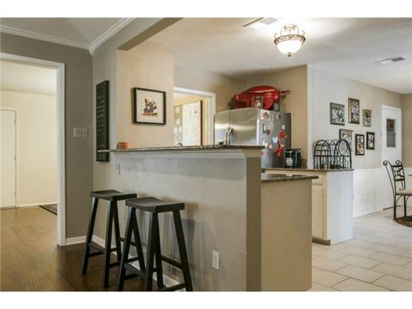 q looking for suggestion s of color for this kitchen, kitchen design, paint colors, painting