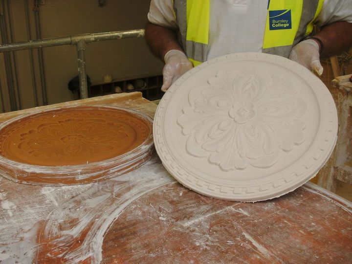 Clean the flood mould ready for making another cast