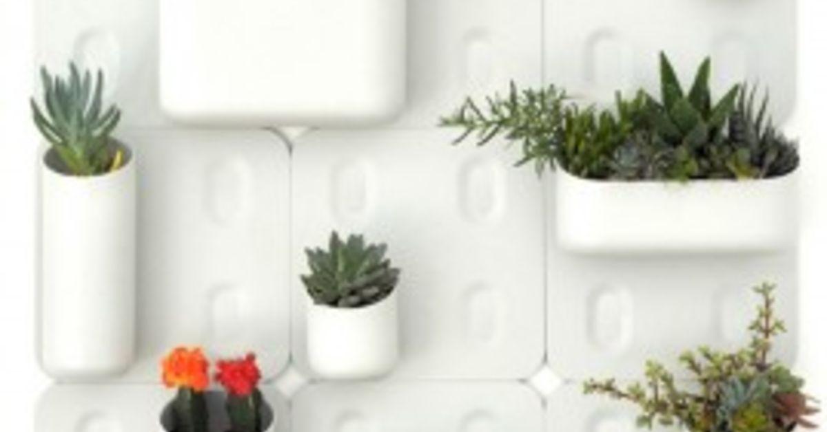 Living wall for small space gardens hometalk - Jardin vertical interior ikea rouen ...