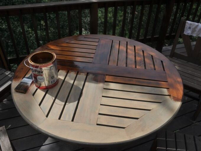 patio table touch up, painted furniture, Starting the oil