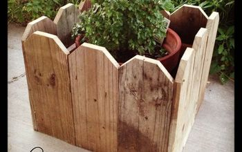 Pretty Picket Planter