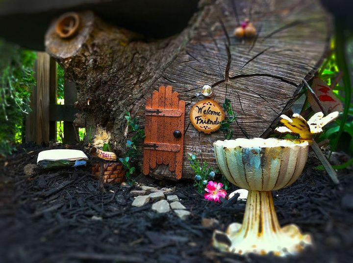 a pixie dusted stump, container gardening, gardening, seasonal holiday d cor, After