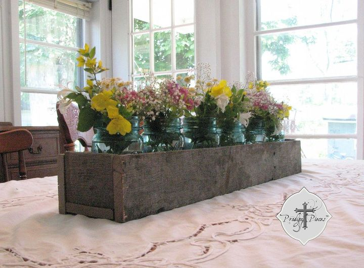 DIY: Barn Wood Projects Using Cast-off Weathered Pallets ...