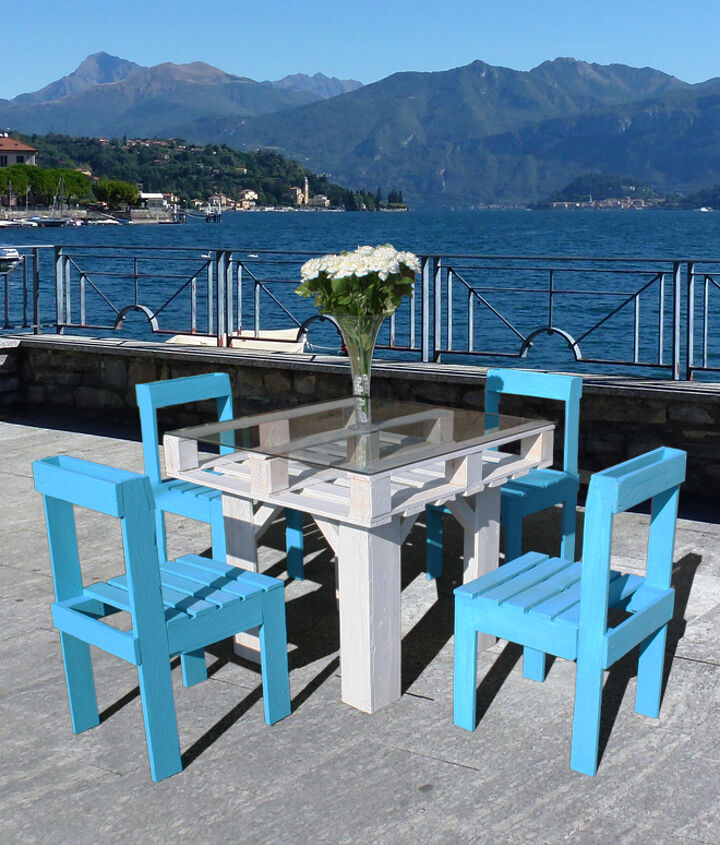 DIY Pallet Furniture Set  - the finished set