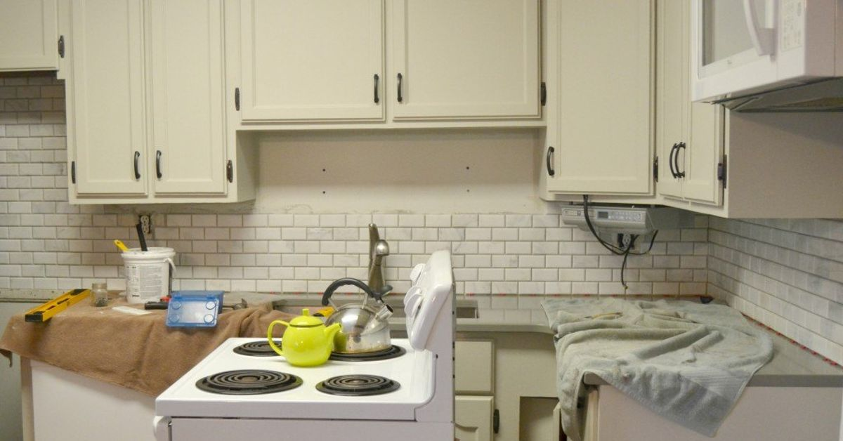 tile backsplash kitchen diy kitchen makeover diy tile backplash hometalk 6122