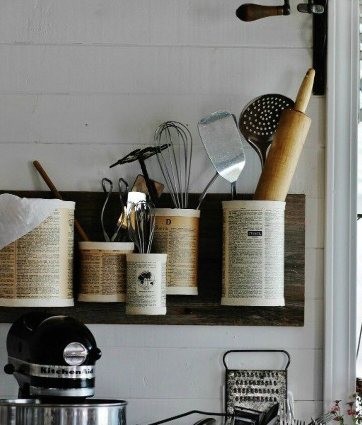 s 15 empty tin can hacks that will make your home look amazing, crafts, home decor, repurposing upcycling, Pin some up on the wall as an organizer