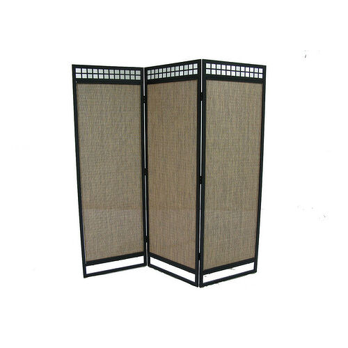 Privacy screen from Lowes. The back side has the metal backing seen in my photos.