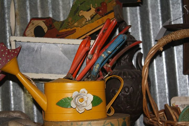 Vintage gardening tools. May use them in some Purposeful Re-purposing project..one day..not today..