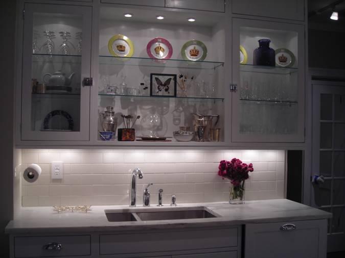 Kitchen Lighting Makeover A Stunning Transformation Home Decor Backsplash Design Gl Cabinets