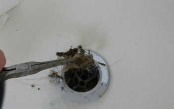 Tutorial on Cleaning Your Bathtub Drain