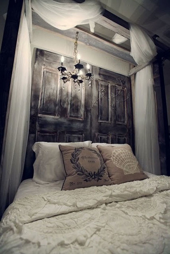 Very Gothic headboard design from BestHomeIdeas.com.au. If you have an entire gate, you could find a perfect place for it in your bedroom ;)