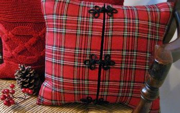 Fun and Cozy Christmas Pillow...from a Jacket!