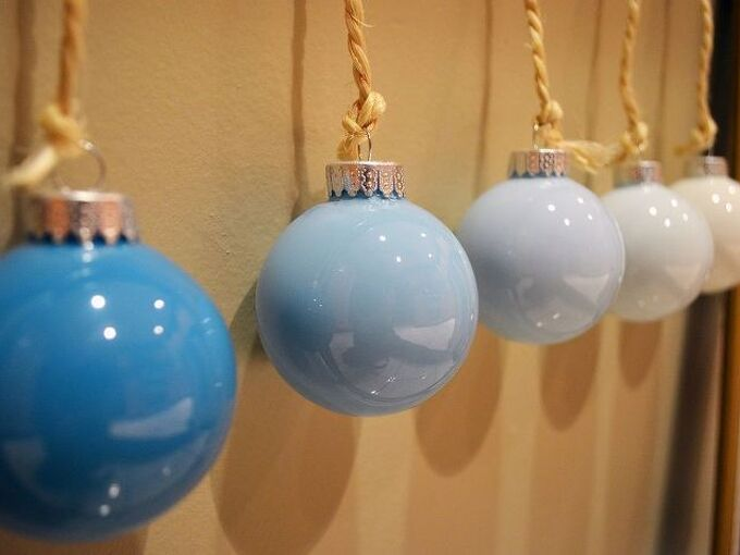 ombre ornaments, crafts, seasonal holiday decor, Make your own beautiful ombre ornament set for 2