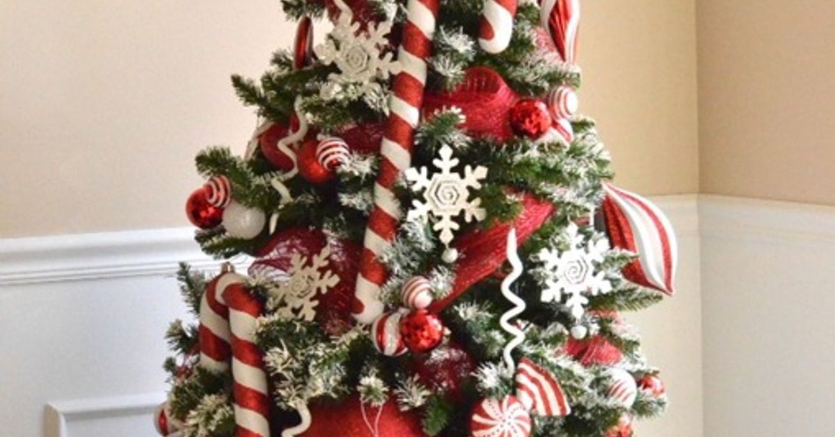 peppermint christmas tree reveal hometalk - Peppermint Christmas Decorations