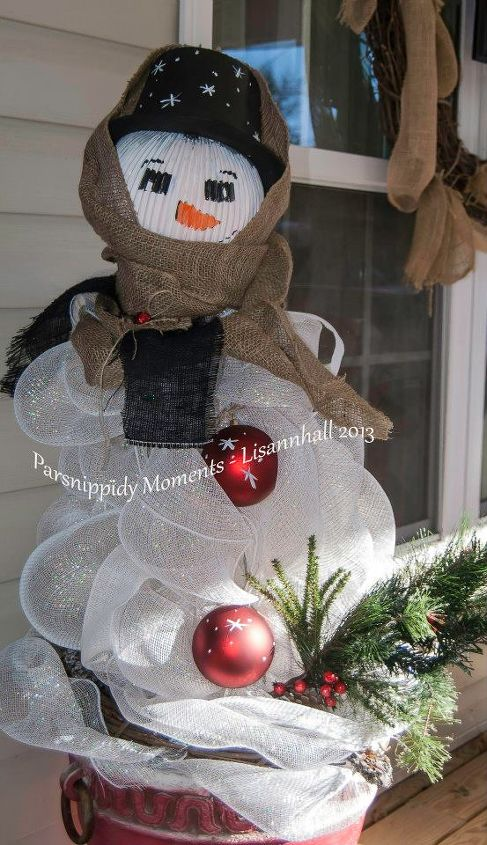 snowman from tomato cages, repurposing upcycling, seasonal holiday decor