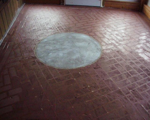 Waxing painted concrete floors gurus floor for Mop on concrete floor wax