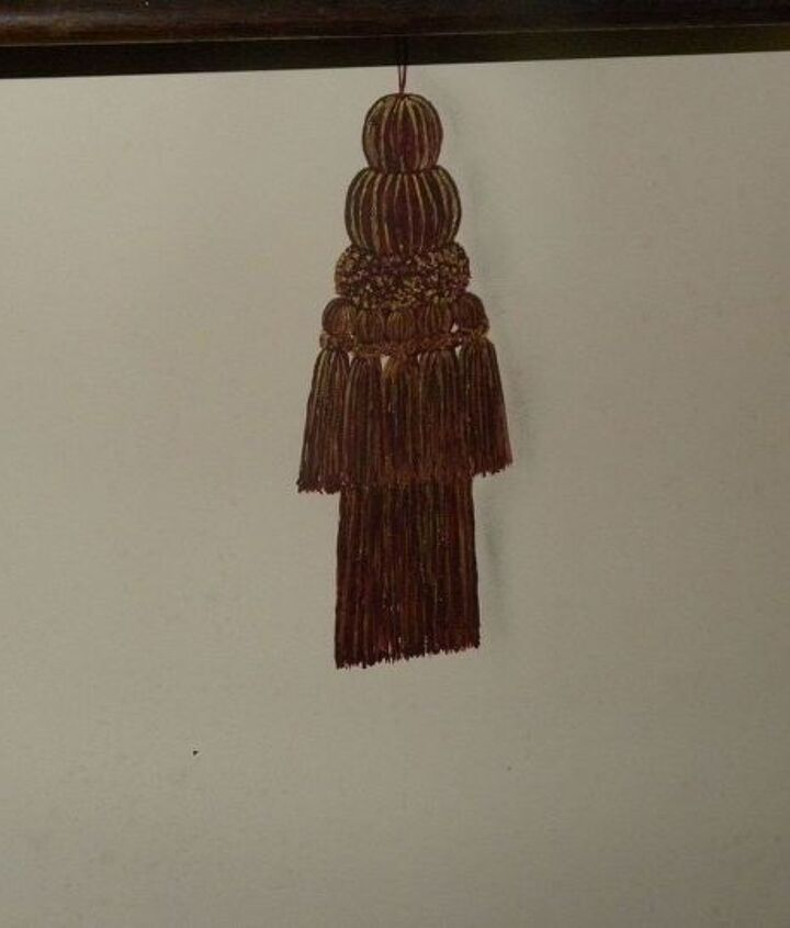 I love tassels so I've painted them everywhere I could