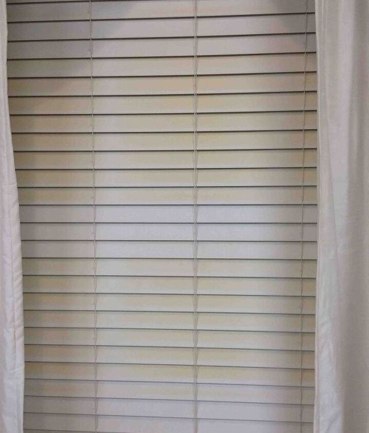 Grrrr... Blinds are yellowing from sun exposure.