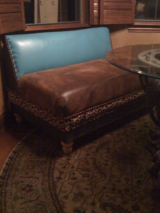 I built this bench and upholstered to spice up a western or rustic decorated breakfast room.