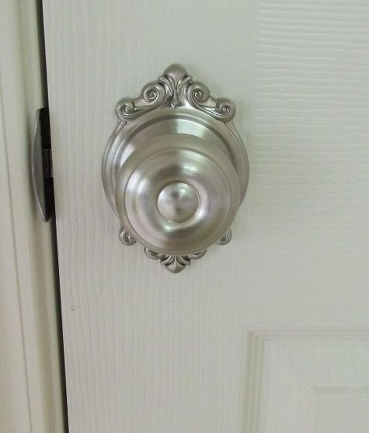 See link in my blogpost for where I purchased these doorhandles.