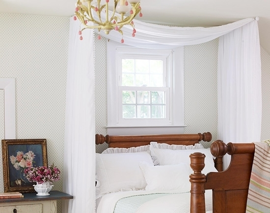 How To Use A Four Poster Bed Canopy To Good Effect: Bedroom Decorating Ideas