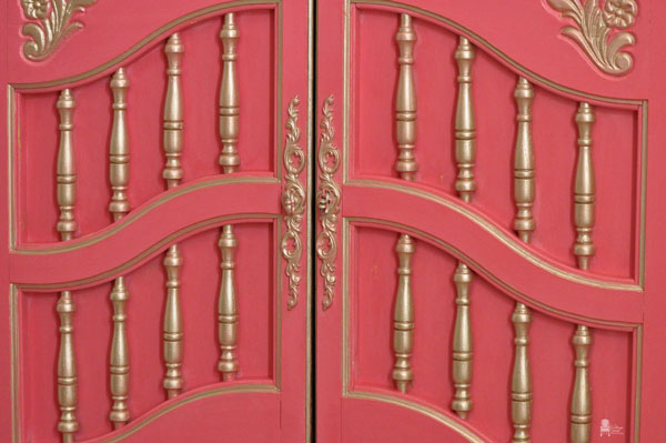 dixie french craft armoire makeover, craft rooms, home office, painted furniture, repurposing upcycling, American Paint Company Mama s Lipstick Modern Masters Metallic Champagne