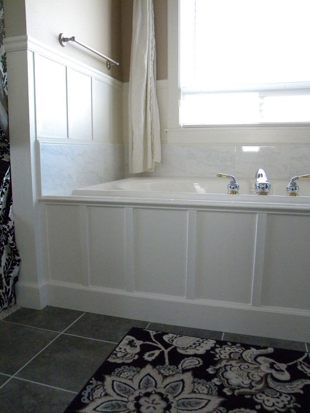 We updated our 90 39 s bathtub in one weekend with less than for Wood panelled bathroom ideas