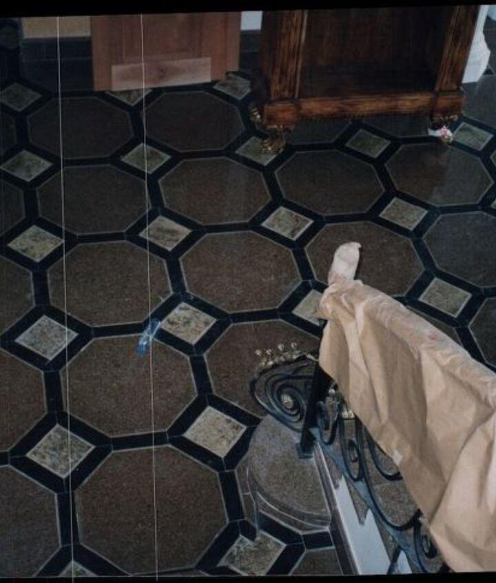 floor pattern in granite in a penthouse in Panama