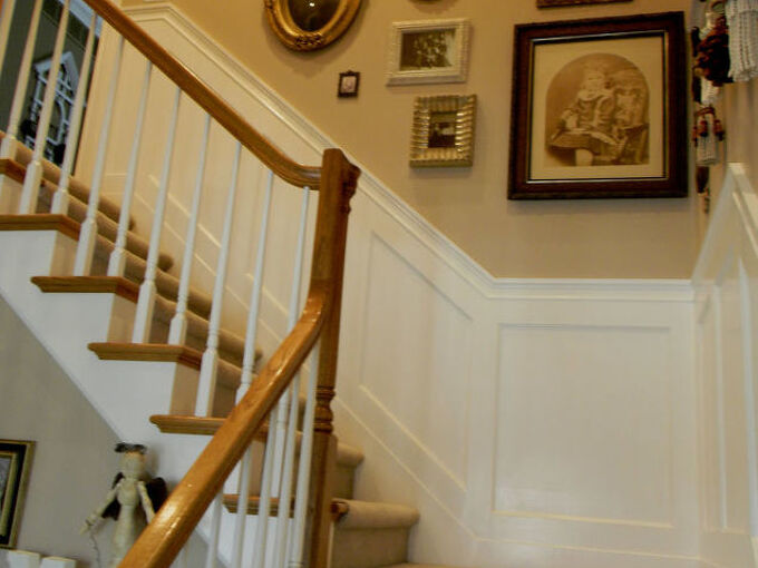 my stairwell with painted scallops and new wainscoting, painting, woodworking projects, My stairwell new wainscoting