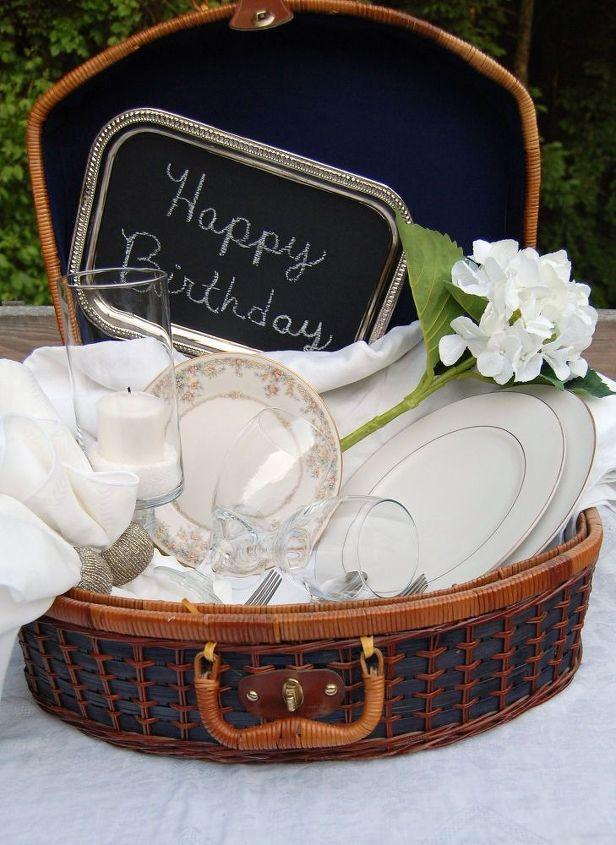 elegant picnic, chalkboard paint, crafts, outdoor living