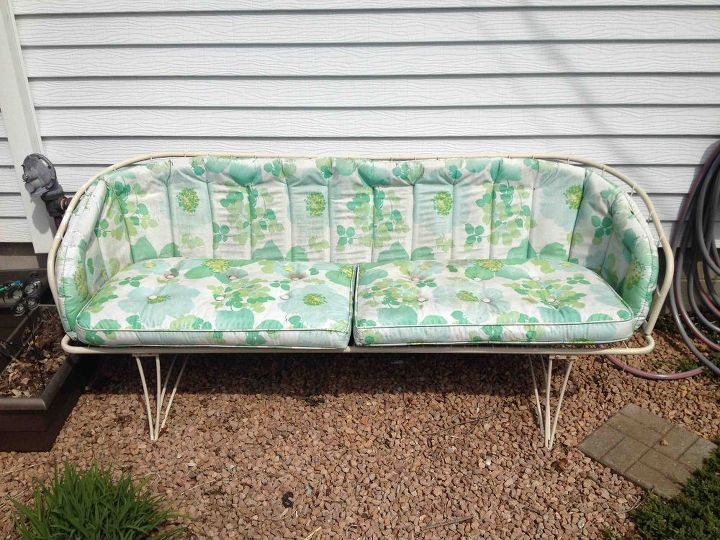q ideas for this vintage outdoor couch, outdoor furniture, painted furniture, repurposing upcycling